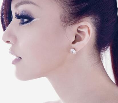招风耳矫正有多种方式吗?