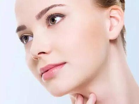 厚唇修薄术是怎么样操作的?