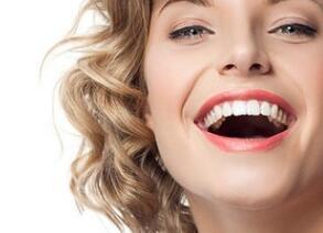 全口牙齿缺损能做种植牙吗