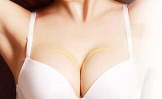 假体隆胸手术会不会影响胸部的手感?