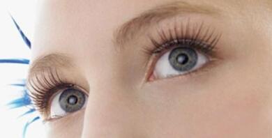 单眼皮的人可以做睫毛种植吗