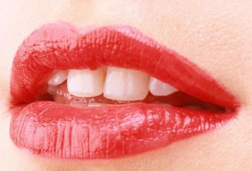 嘴唇不好看可以整形吗?