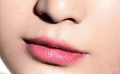 玻尿酸丰唇有害处吗?