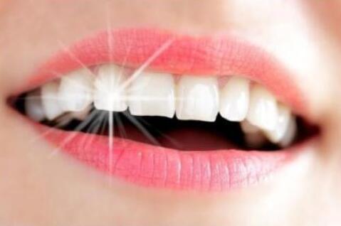 洗牙和牙齿美白有存在本质区别吗?