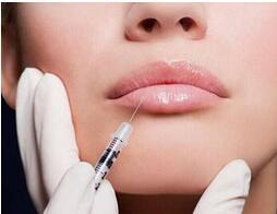 自体脂肪丰唇会有不良影响吗?