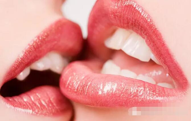 漂唇术后常见的注意事项及解决方法