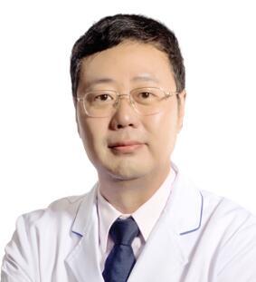 """深圳鹏爱李罡医生被称为""""深圳内窥镜隆胸人"""""""