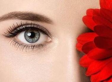 埋线双眼皮手术拥有迷人电眼