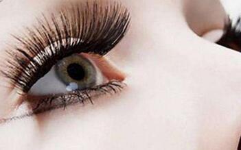 种植睫毛是不会伤及眼睛的