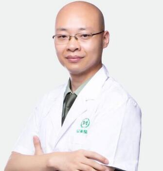 重庆军美医院做吸脂隆胸案例 王青松医生技术杠杠的