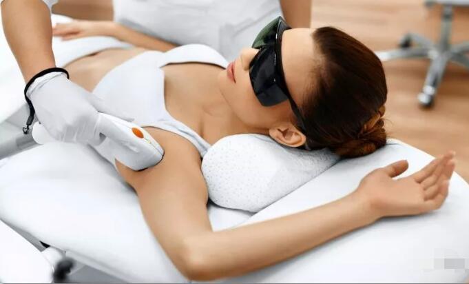 今日头条版:做激光脱腋毛不会影响到乳房健康