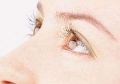 睫毛种植术专业技术高的收费就比较贵