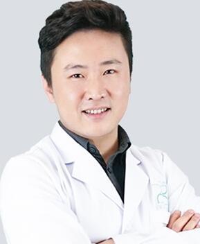 【整形名医】广州军美整形产慎之医生眼鼻整形 良工之手