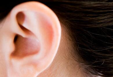 影响隐耳整形价格的四大因素