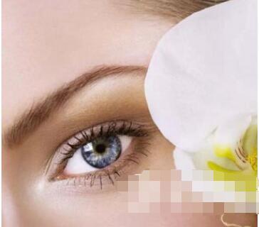 今日熱搜:選擇激光祛黑眼圈幾個療程才能起效果