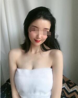 重庆美莱整形吴继东做隆胸案例