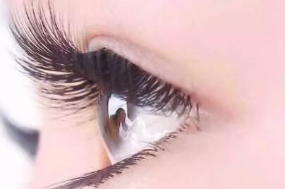 睫毛種植能讓眼睛更加有神