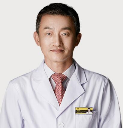 深圳比较擅长做双眼皮的医生刘正源
