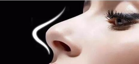 膨體隆鼻和硅膠隆鼻存在五大區別
