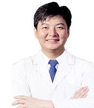 南宁李京整形医生的整容手术经验以及就职医院 附医院焦点项目