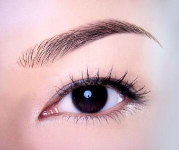 講解下:眉毛種植后掉落的可能性不大的原因