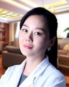 福州台江整形黄富梅医生致力于非手术美容临床治疗的创新性研究