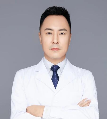 脂肪整形专家――深圳阳光整形万晓楠医生的面、体精雕技术