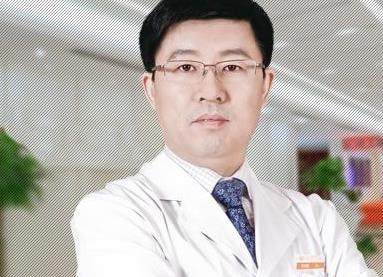 """""""美胸圣手""""--杭州维多利亚刘中策医生"""