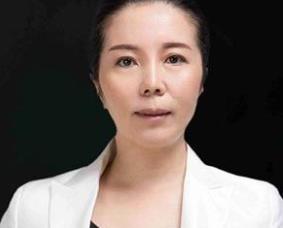成都艺星蔡灵医生做自然双眼皮技术手法如何?