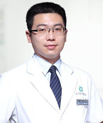 广州倍生医疗美容门诊部整形医生 廖骏