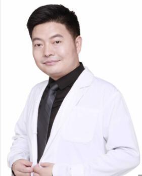 成都瑞华医疗美容医院整形医生 杨平