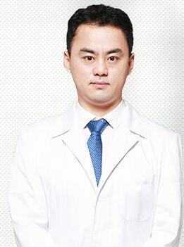 东营芮颜医疗美容门诊部整形医生 袁磊