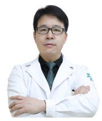 北京卓新华星医疗美容门诊部整形医生 郭伟