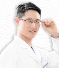 整形专家刘涛