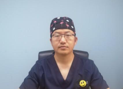 整形专家徐辉