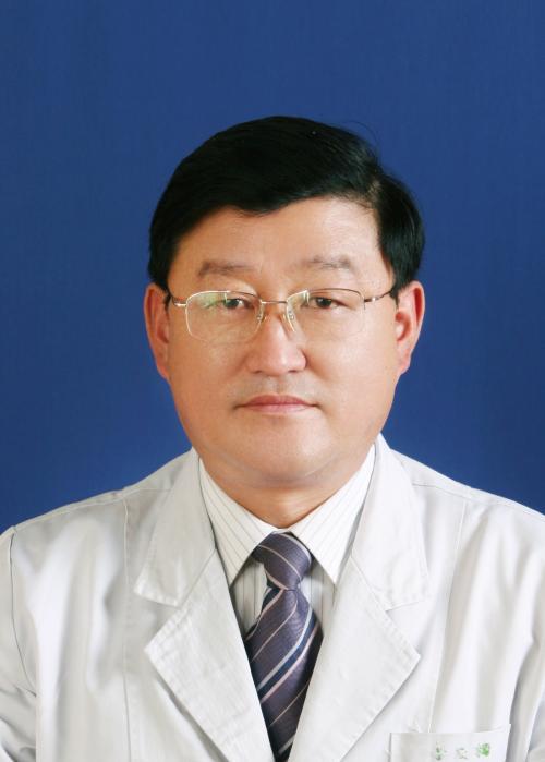 整形医生李禹楠