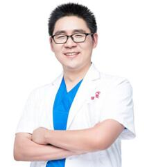 整形医生田芳斌