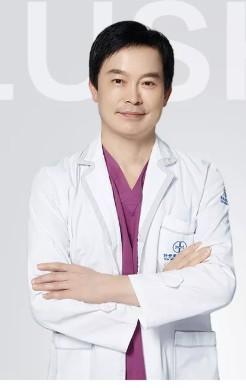 整形医生卢仕良