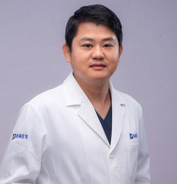 整形医生舒辟峰