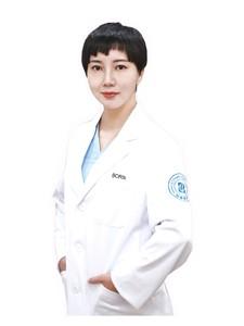 整形医生李明华