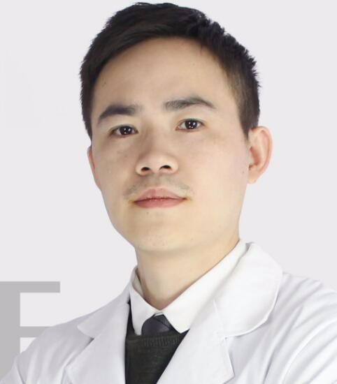 整形医生刘超峰
