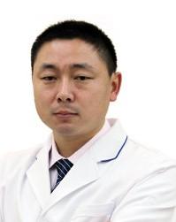 武汉鹏爱静港医疗美容门诊部整形医生 张龙