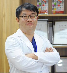 上海首尔丽格医疗美容医院整形医生 鲁峰一
