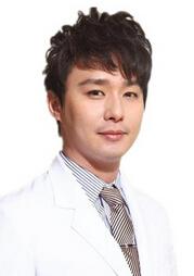 衡阳雅韩医疗美容医院整形医生 陈伟豪