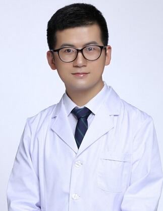 武汉美仑医疗美容门诊部整形医生 桂亮