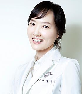 上海伊莱美医疗美容医院整形医生 李真�G