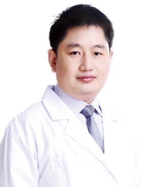 武警广西总队医院医学整形美容中心整形医生 李信峰