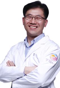 烟台绿叶爱丽美医疗美容门诊部整形医生 崔珉浩