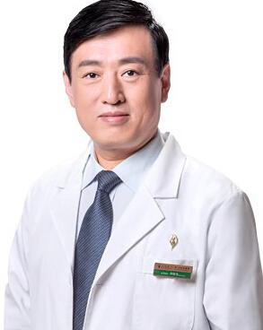 西安叶子医疗美容医院整形医生 李明