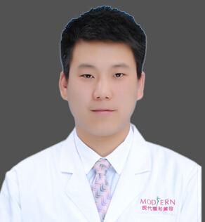 楚雄现代妇科整形医院整形医生 贾万荣